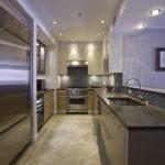 Освещение кухни вытянутой формы