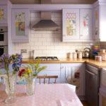 Угловая кухня в сельском доме