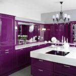 Фиолетовый гарнитур с глянцевыми фасадами