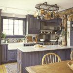 Кухня прованс в загородном доме