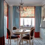 Комбинированные шторы в интерьере кухни