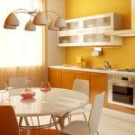 Желтая стена в интерьере кухни
