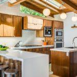 Обустройство кухни в дачном домике