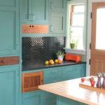 Кухонная мебель с закрытыми фасадами