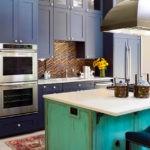 Состаренная поверхность фасада кухонного острова
