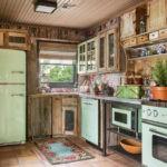 Интерьер красивой кухни в стиле кантри