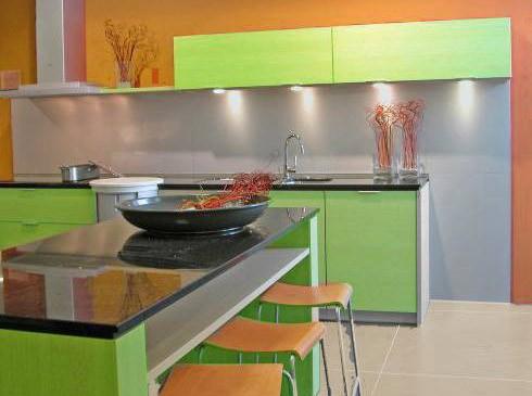 Персиковый с лаймовым на кухне