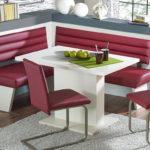 Интересная мебель для кухонной зоны в ретро стиле