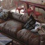 Коричневый модульный диван для кухни-гостиной в стиле лофт