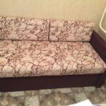 Маленький диван-кушетка для кухни