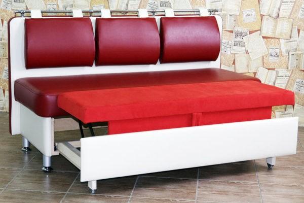 Компактный диван для небольшой кухни
