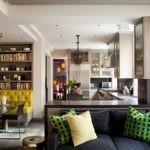 Небольшие диванчики для зон в кухне-гостиной