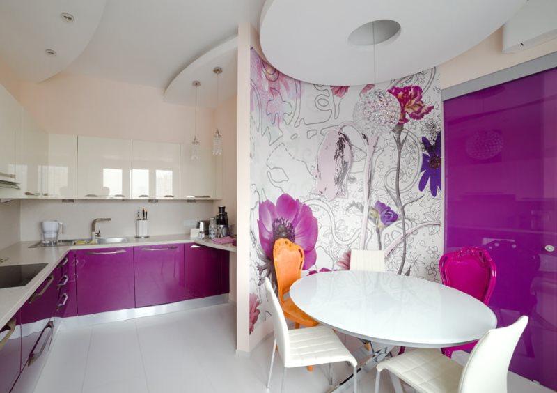 Фотообои на стене кухни в обеденной зоне