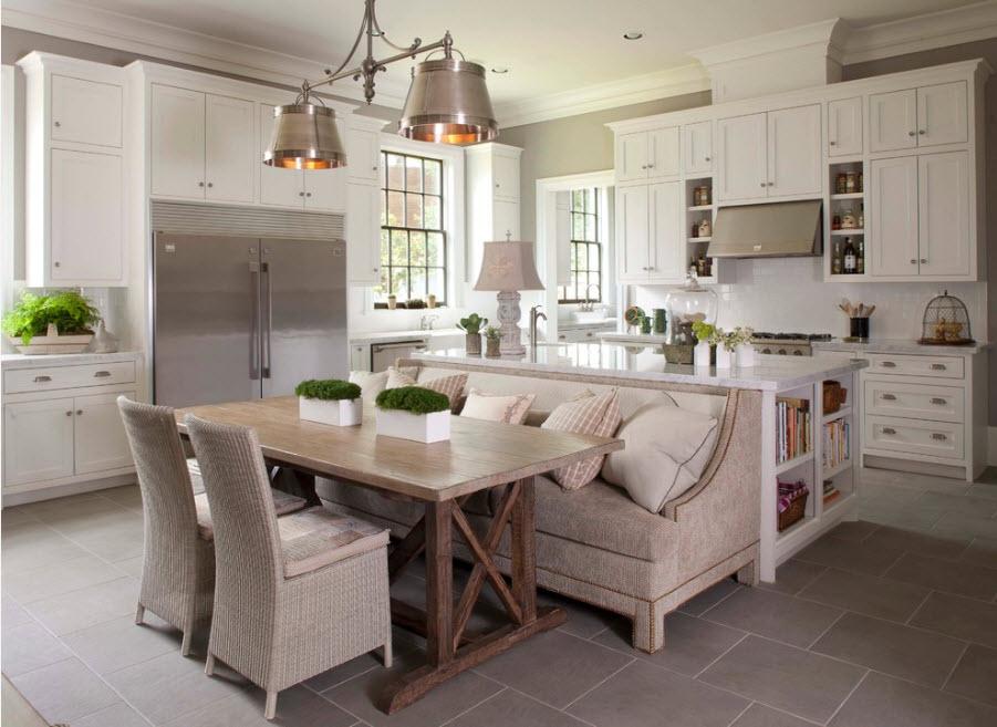 Мягкая мебель в интерьере кухни-гостиной