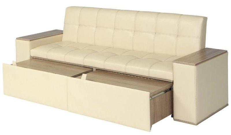 Прямой диван с кожаной обивкой кремового цвета