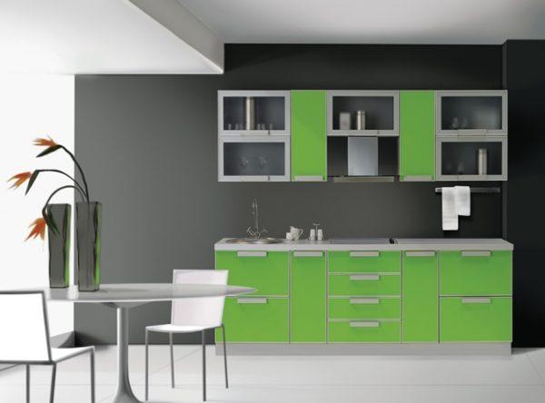Серый цвет с лаймом на кухне