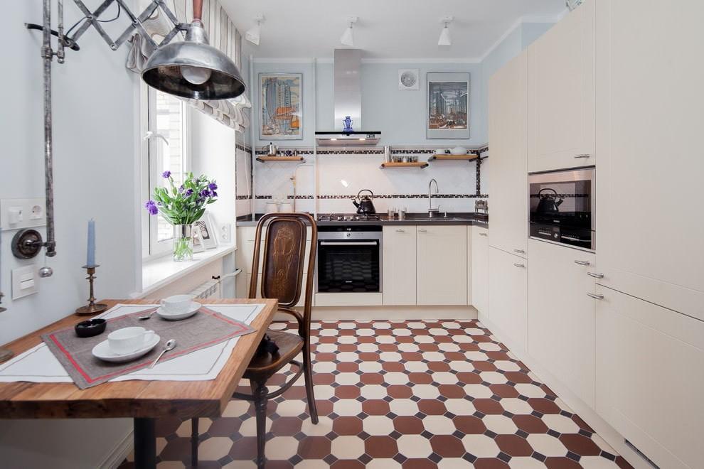 Шахматный пол в угловой кухне