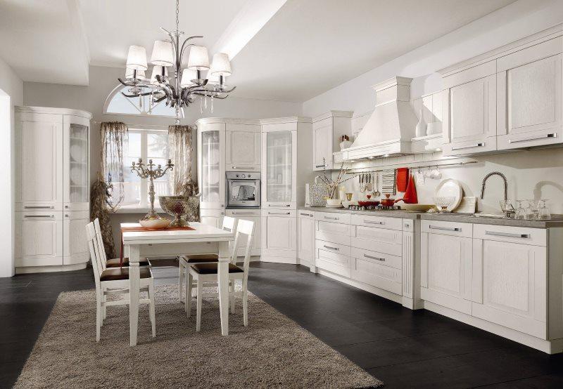 Кухонный стол на сером ковре