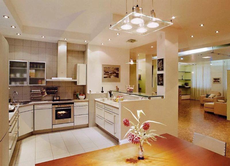 Яркое освещение модной кухни