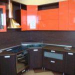 Угловая кухня верх венге и низ - глянец оранжевый