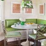 Угловой диванчик на кухню зеленого цвета