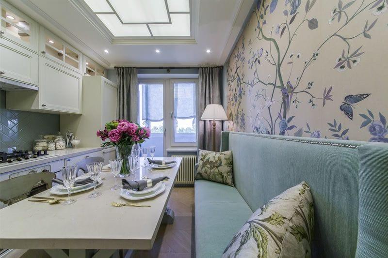Узкая модель прямого дивана для небольшой кухни