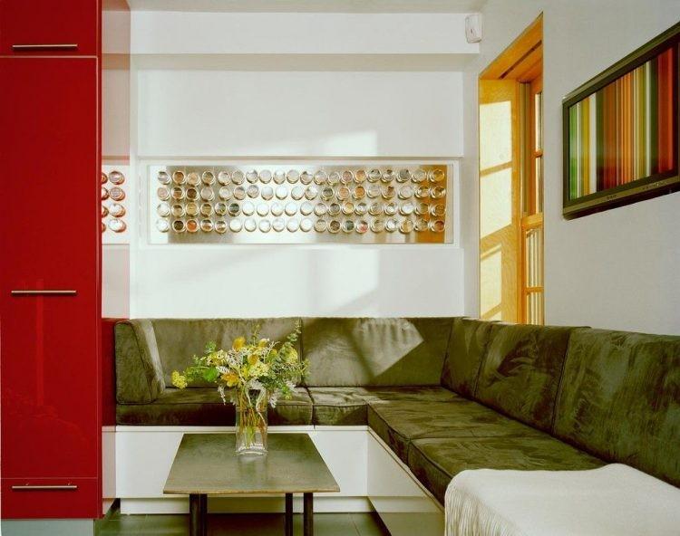 Зона отдыха кухни-гостиной с угловым диваном