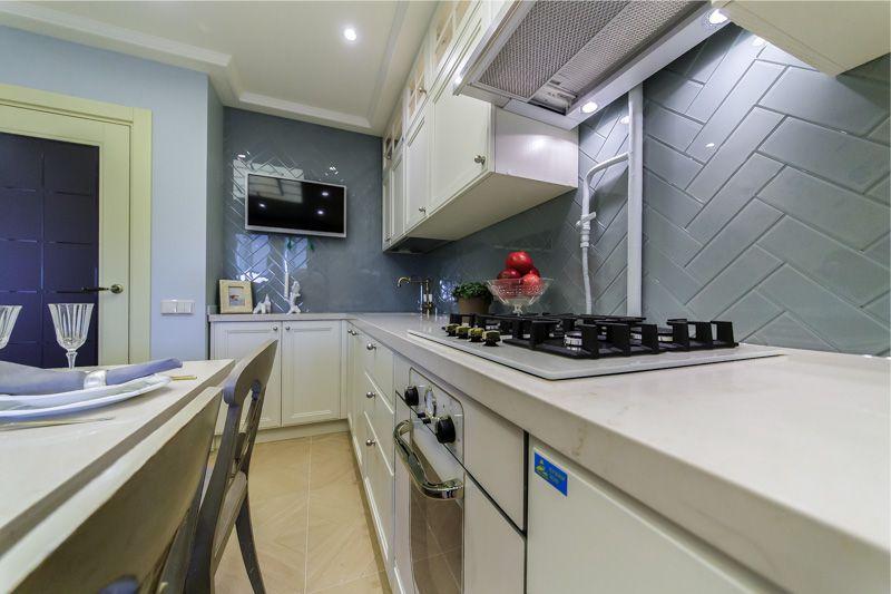 Кухонная вытяжка с выдвижной панелью