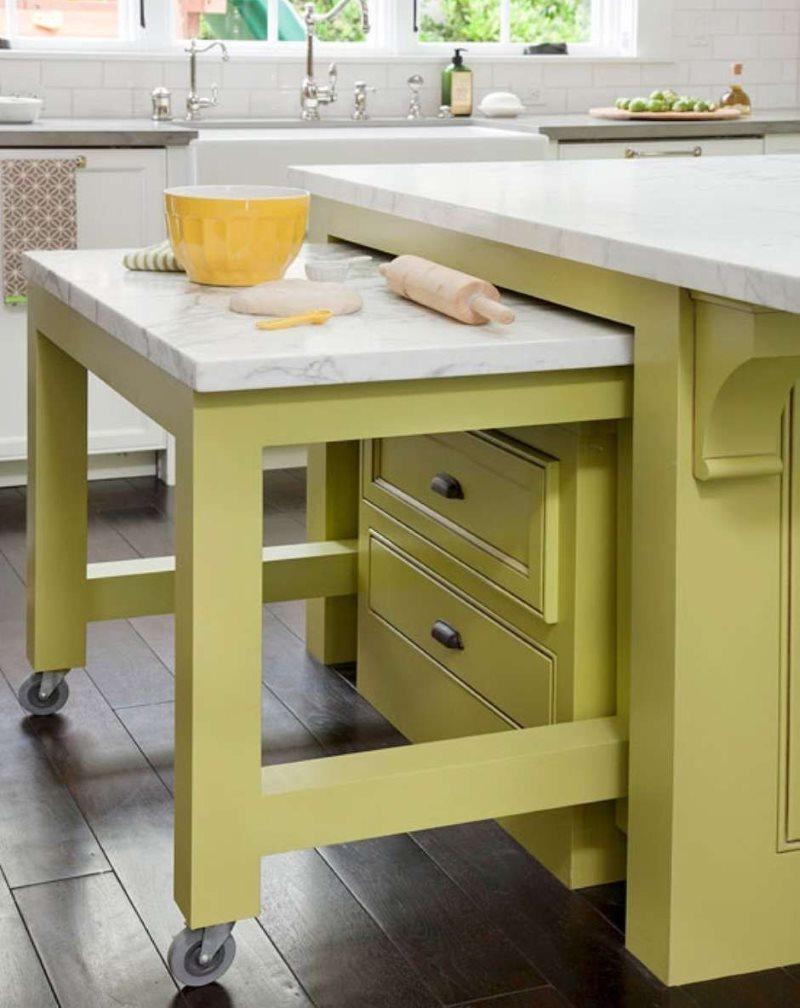Выдвижной стол в кухне дизайна 2019 года