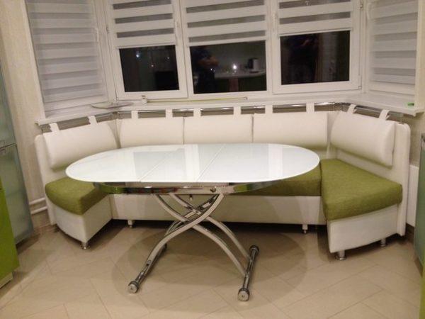 Полукруглая форма углового дивана