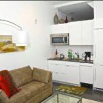Рабочая зона кухни в квартире студии