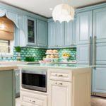 Классическая мебель голубого оттенка