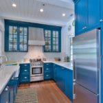 Дизайн вытянутой кухни в частном доме