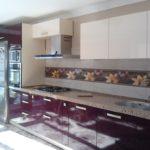 Глянцевые дверки кухонного гарнитура