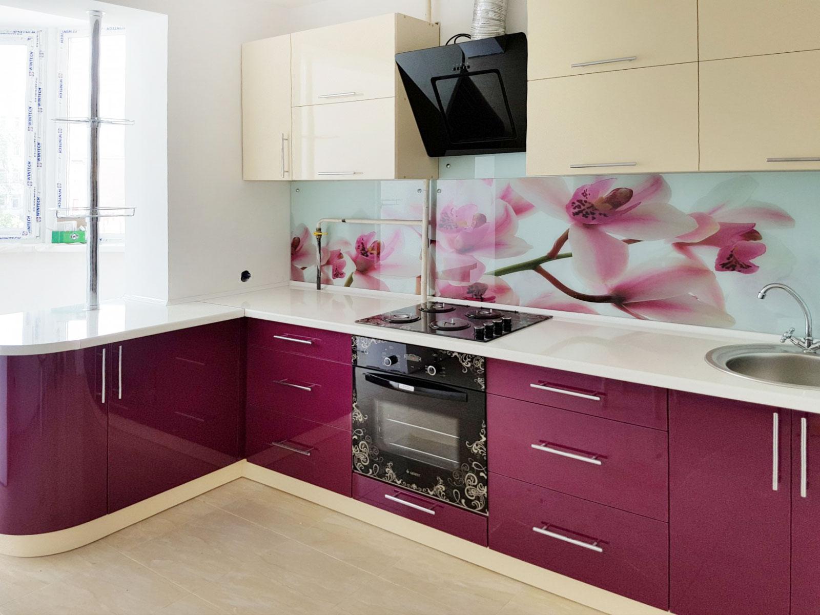 Кухни с полками вместо навесных шкафов фото
