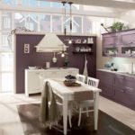 Фиолетовая кухня в стиле прованс