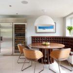 Встроенный уголок в интерьере кухни