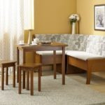 Деревянные табуретки и угловой диванчик