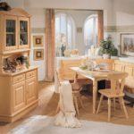 Кухонная мебель песочного цвета