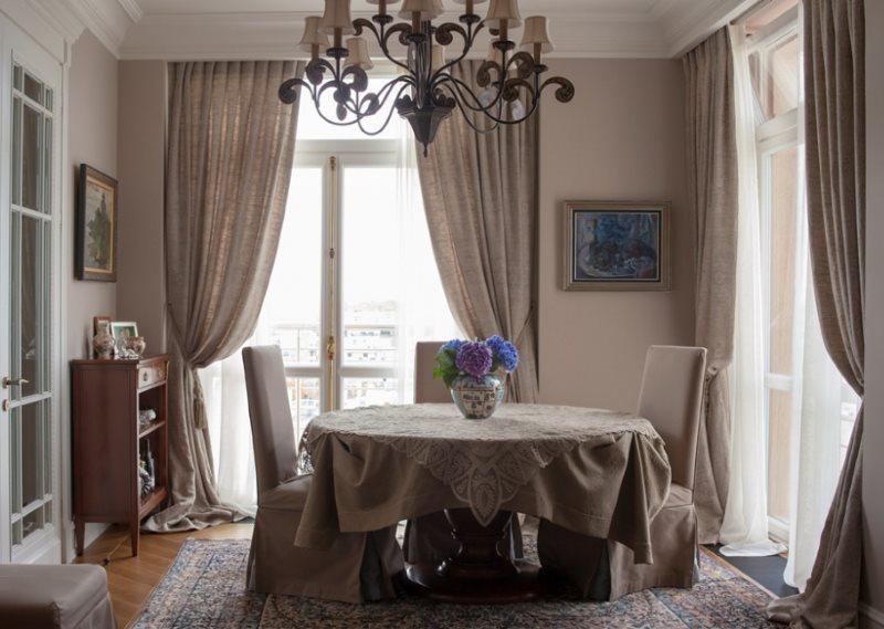Гармоничный выбор текстиля для интерьера кухни
