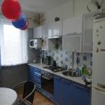 Использование синего цвета для мебели, текстиля и плитки