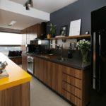 Софиты на потолке кухни в частном доме