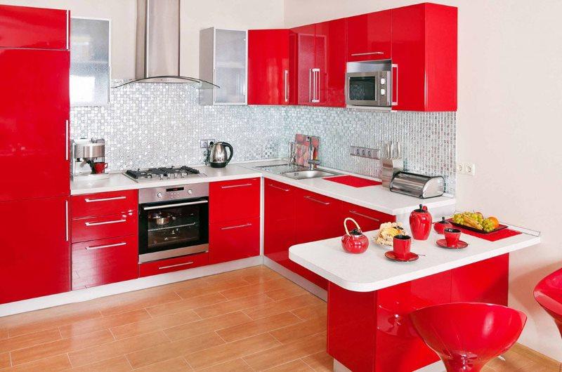 Белые столешницы красного кухонного гарнитура