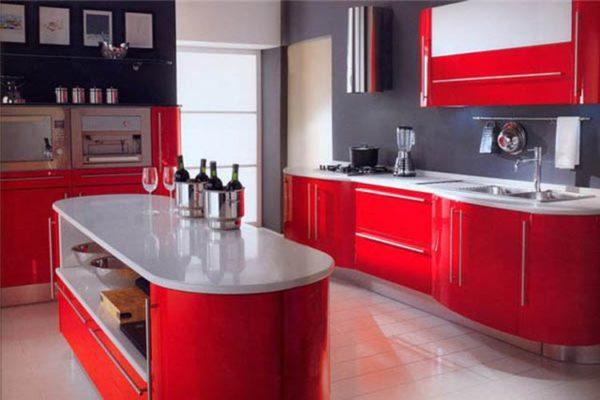 Красный цвет на кухне для хорошего настроения
