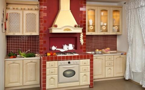 Кухня в красных тонах классическая