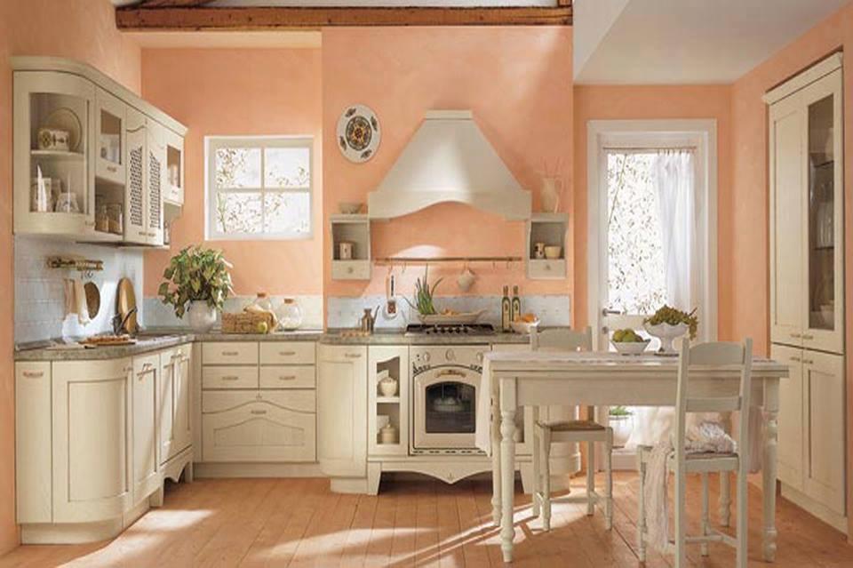 Классическая мебель в интерьере кухни загородного дома