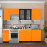 Дизайн кухонного гарнитура в оттенках оранжевого цвета