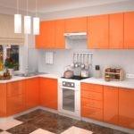 Угловая кухня с керамическим полом