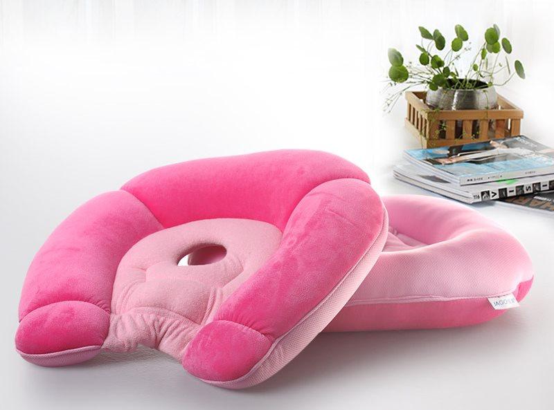 Ортопедическая подушка для беременных в розовом чехле