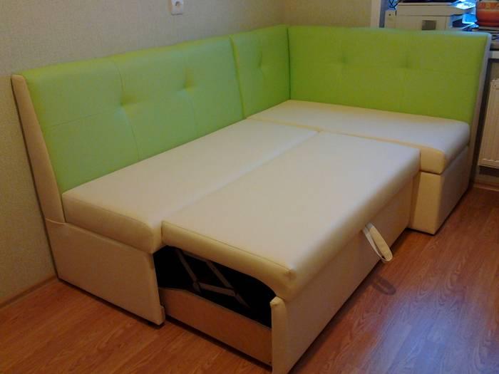 Угловой диванчик для кухни со спальным местом